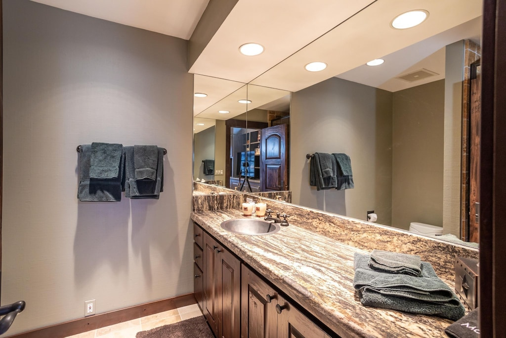 Third level suite bathroom