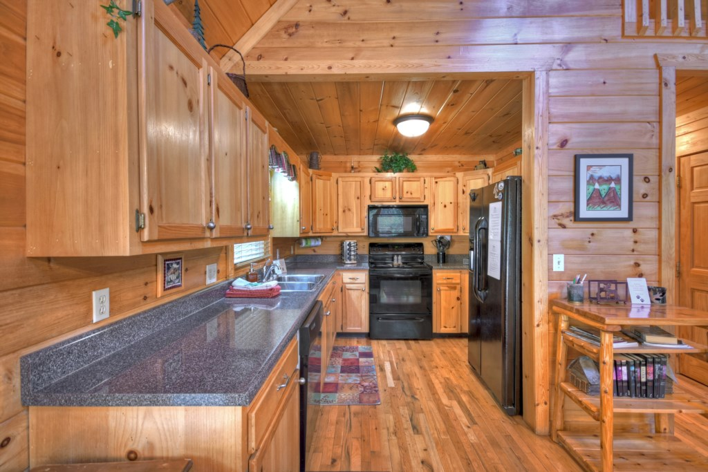 Large kitchen with all you will need