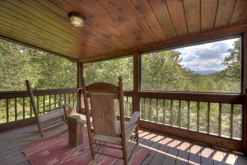 Sit back relax and soak in the best Mountain living can offer