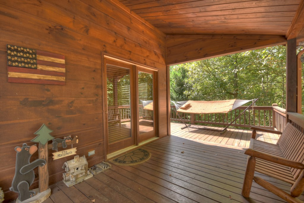 Find your spot to relax in this spacious hideaway cabin