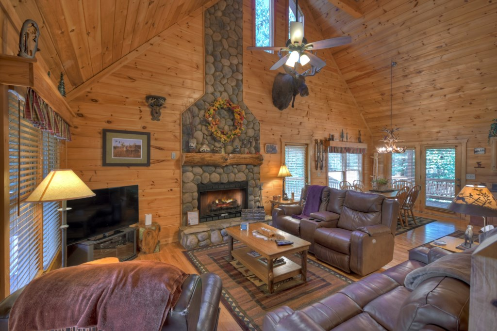 Being Luxuriously furnished makes this a cozy Mountain getaway that is fun-filled and memorable