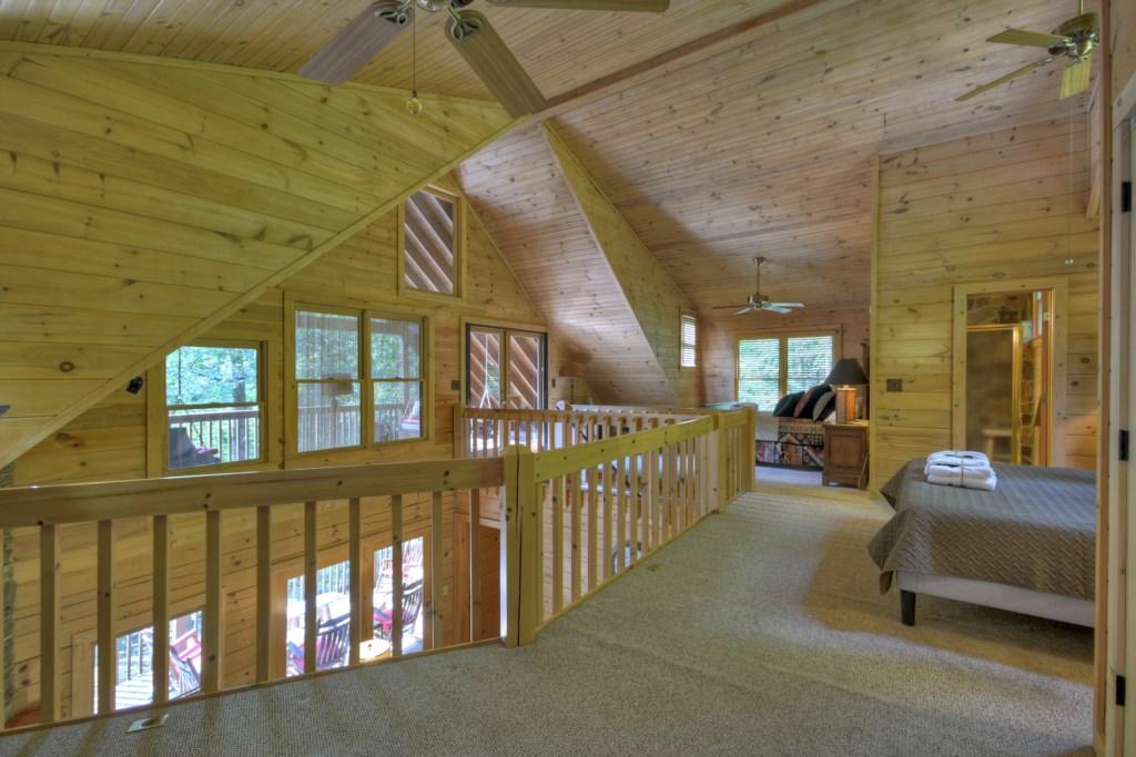 Spacious Loft area