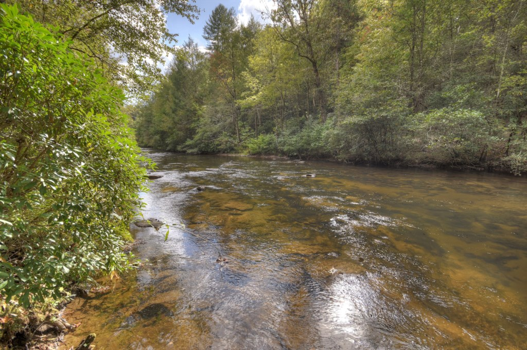 Stunning location on Fightingtown Creek