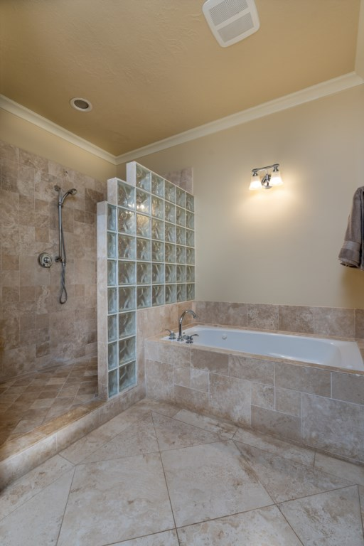 Walk in shower and bathtub for great relaxation