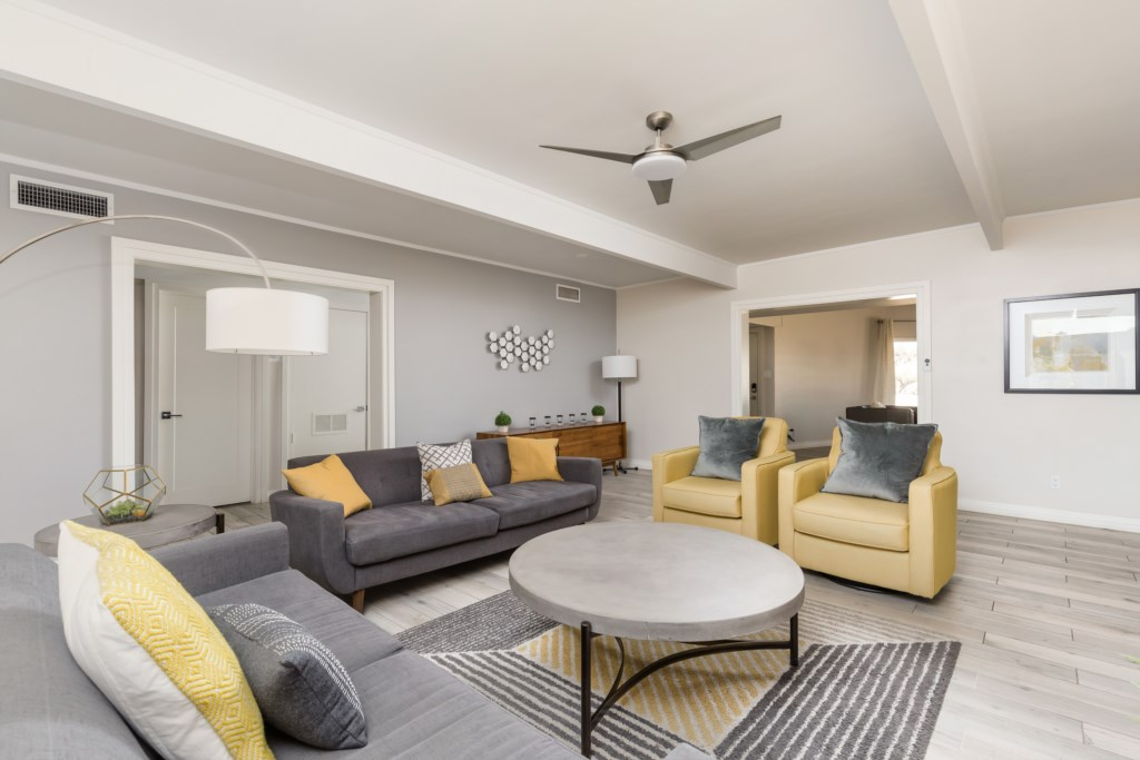 Large second living room for entertainment