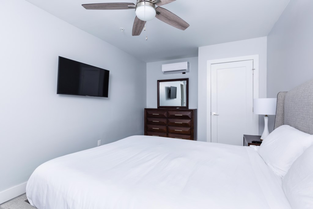 5th Bedroom with Queen Bed
