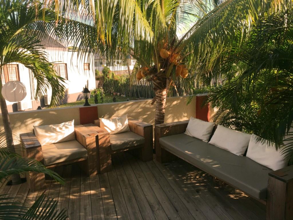 djesun_apartment_curacao_appartementen_seru_hulanda_terrassen.jpg