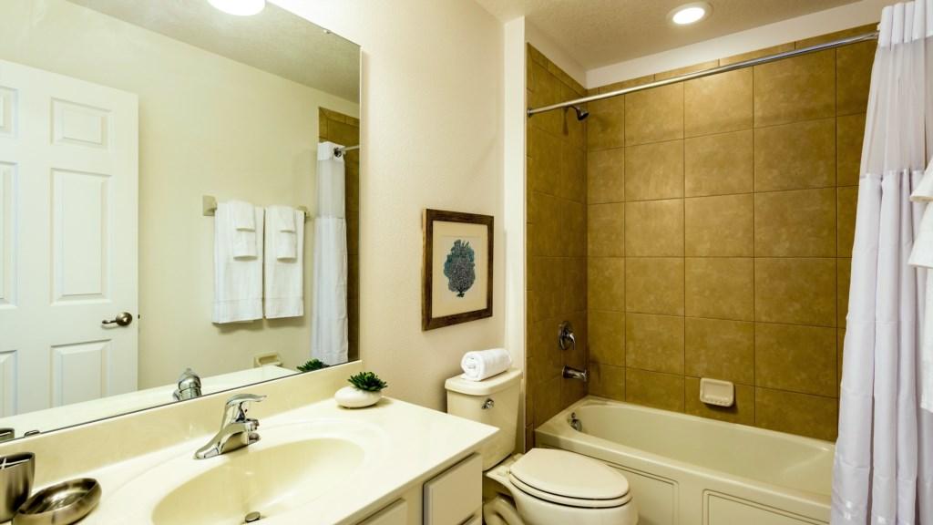 29.Bathroom_1