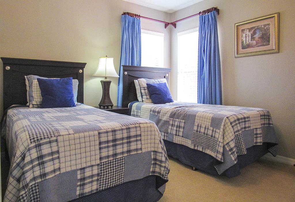 Twin Bedroom 1.