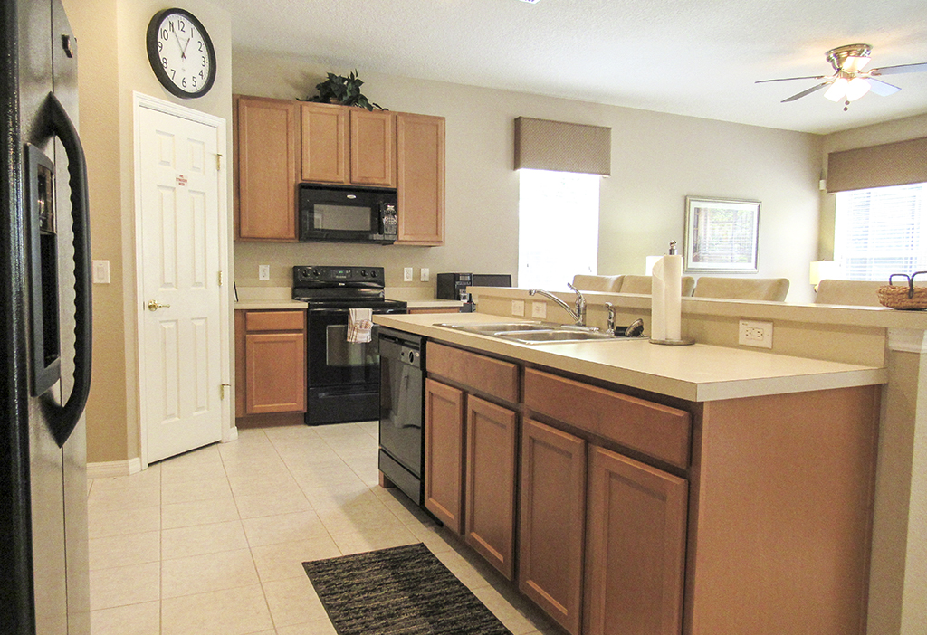 Kitchen is well equipped to fullfil your self-catering needs.
