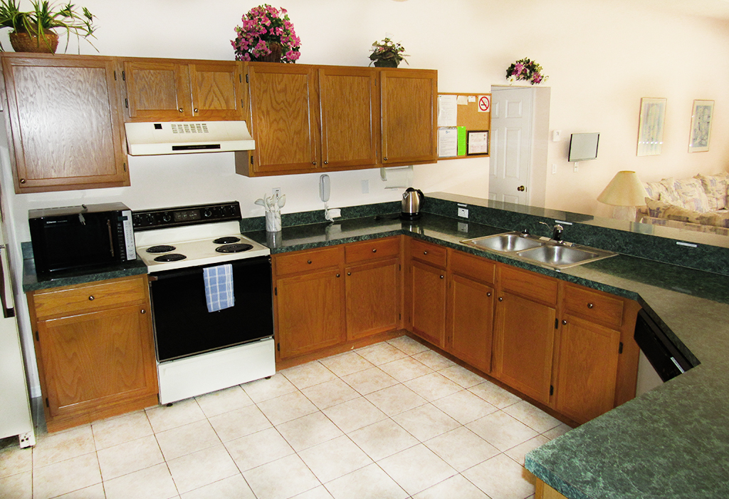 If you have time between restaurants, enjoy the more than adequate kitchen space!