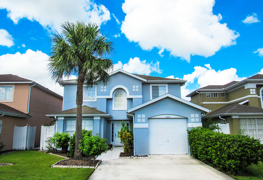 Superbly located villa, less than 30 minutes to downtown Orlando and even closer to the theme parks.