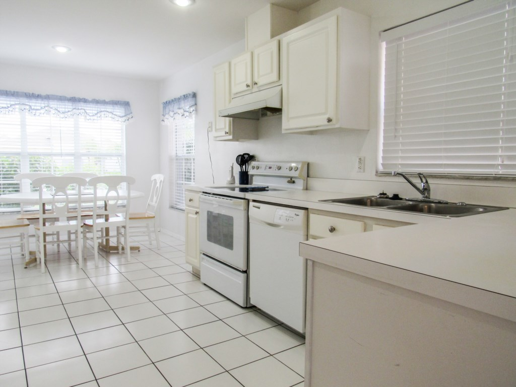 Well equipped kitchen with kitchen dining to seat 6.