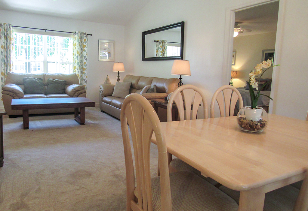 Open family room and dining space. Great for socializing with the family.