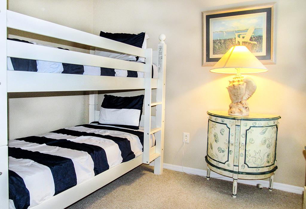 Bunk Bedroom.jpg