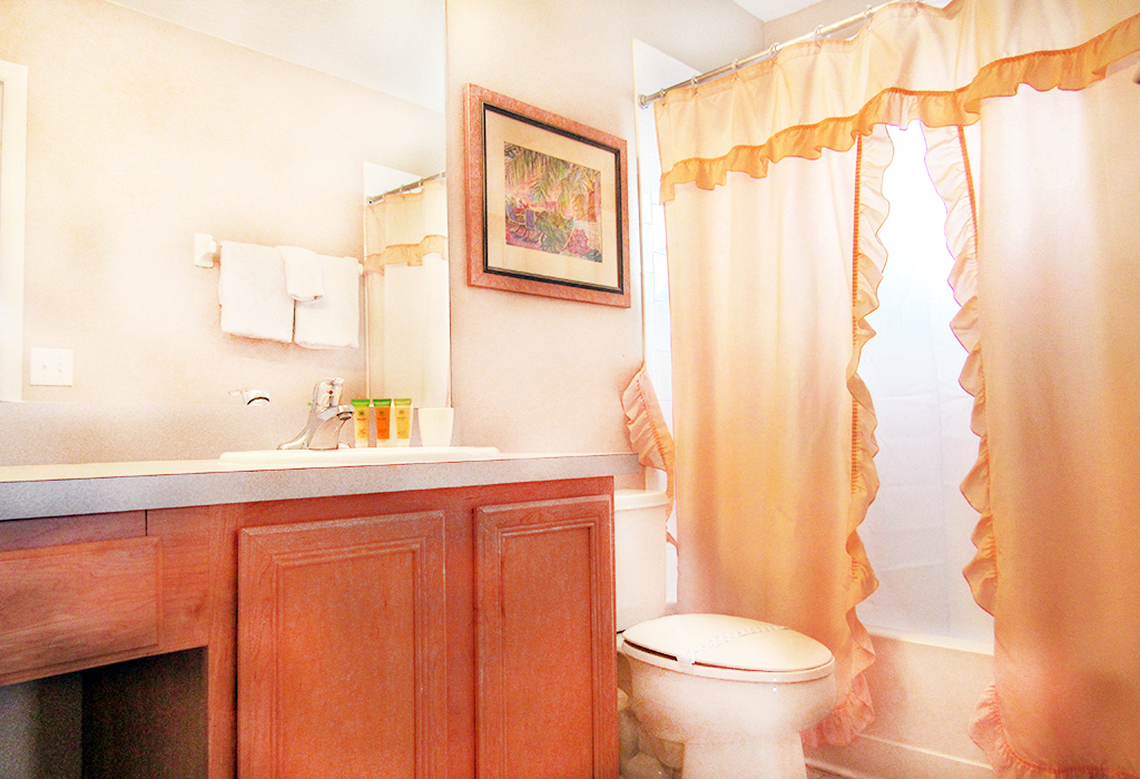 Upstairs Master Bathroom.jpg