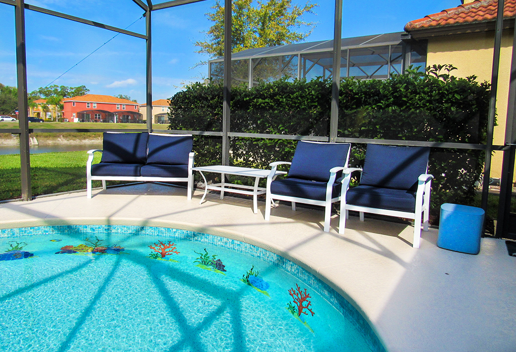 Lots of comfortable poolside seating to relax and unwind.