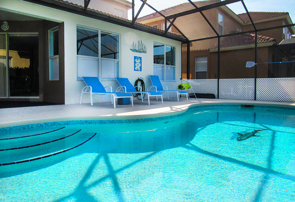 Pool is heatable as an option extra if you so desire.
