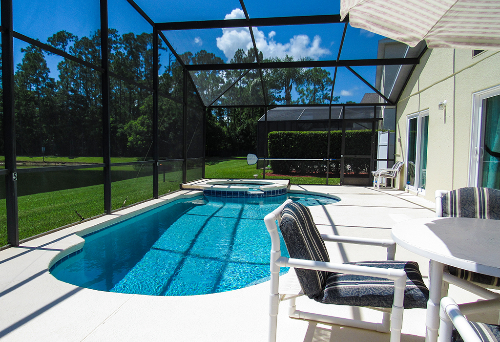 Enjoy making the most of the Florida sun with outdoor dining and loungers.