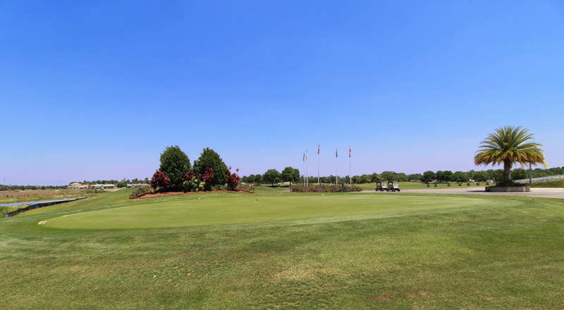 08 Stunning 18 Hole Golf Course.jpg