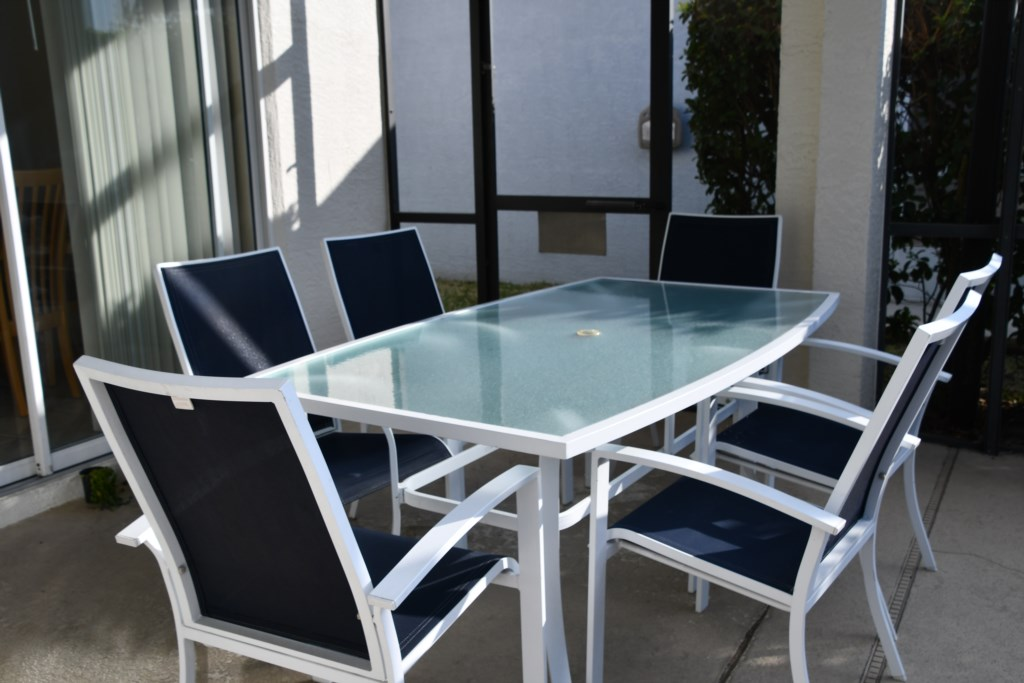 Make the most of the weather and enjoy outdoor Dining