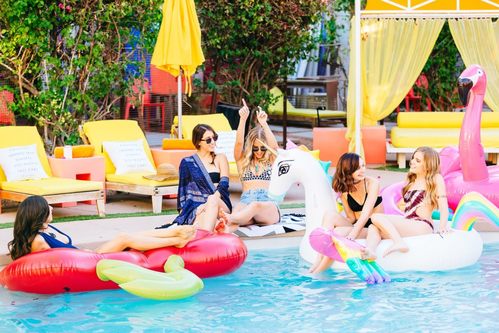 Complimentary access to a resort pool in Old Town, about 3 minutes away!