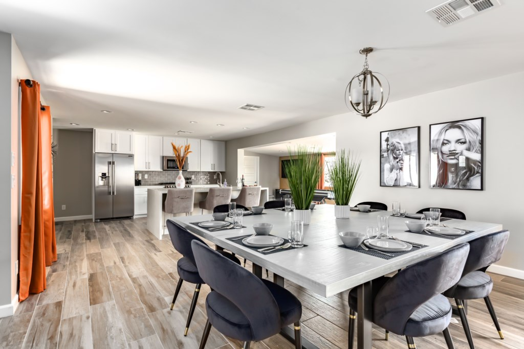 Beautiful open concept living dining/kitchen area