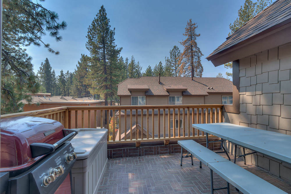 Balcony with BBQ to cook those perfect alfresco dinners whilst enjoying the tall pines