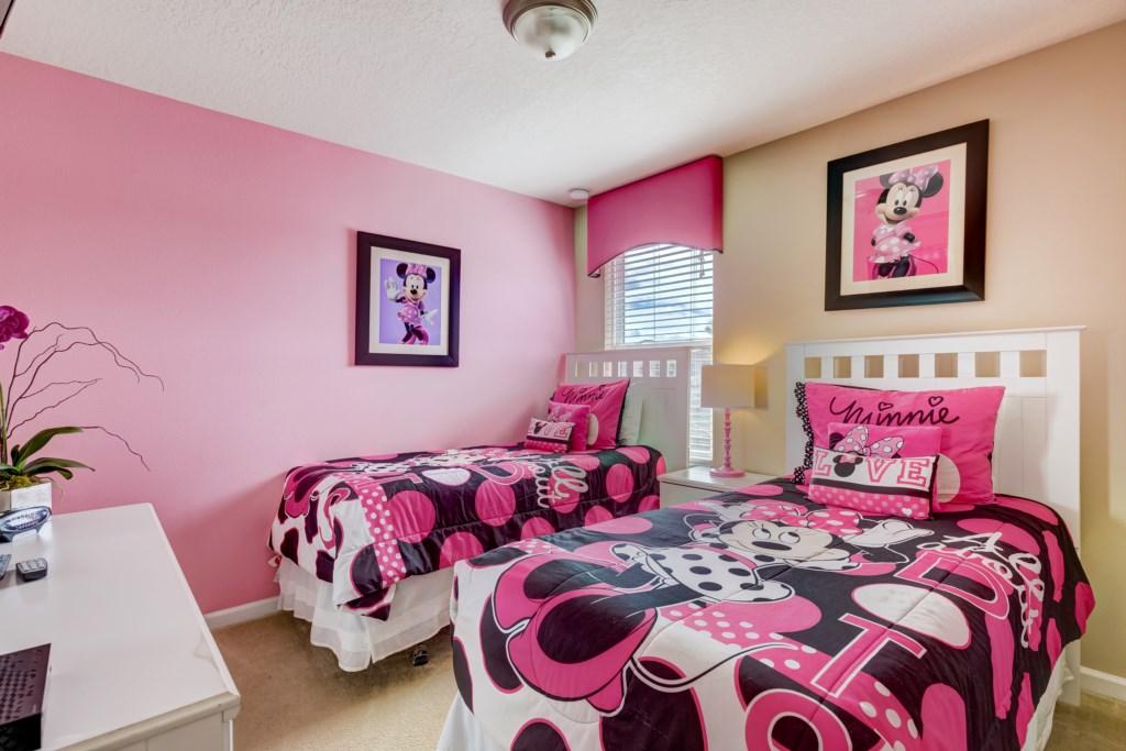 18_Twin_Bedroom_0721.jpg