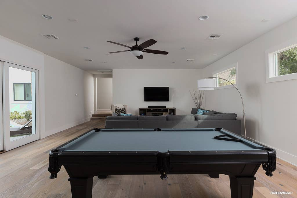 Great pool table!