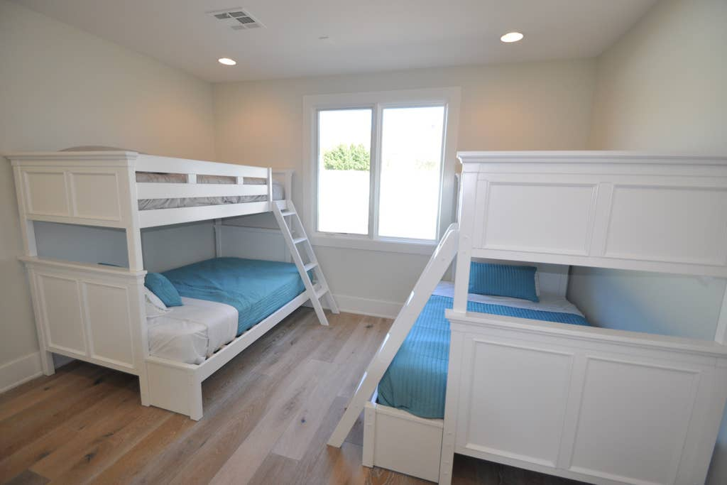 'Bunk' room made for kids, golf trips or large groups