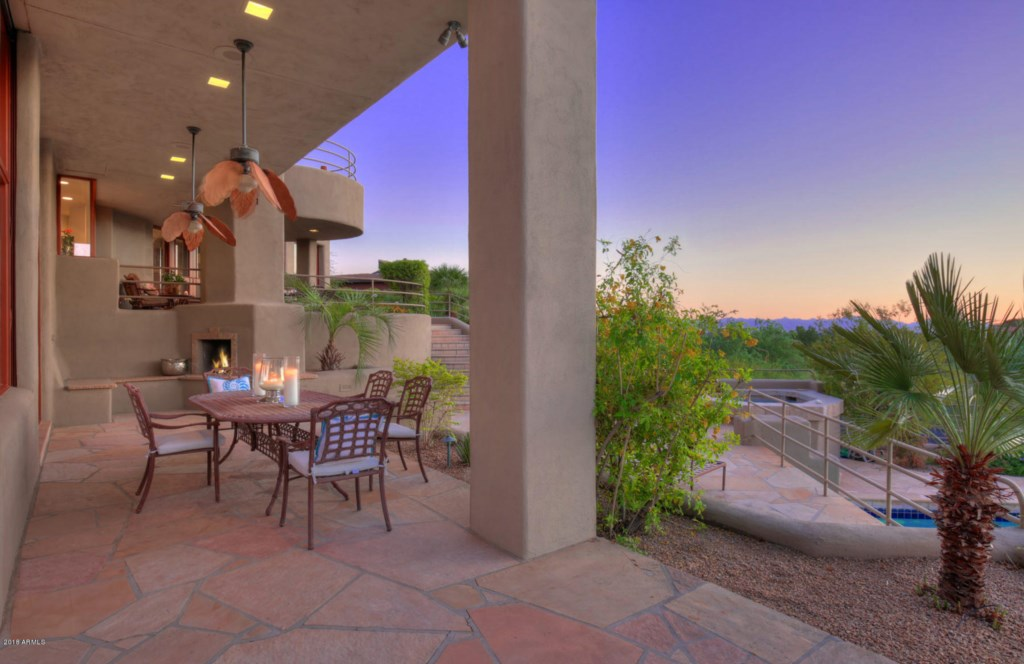 Large covered patio with VIEWS
