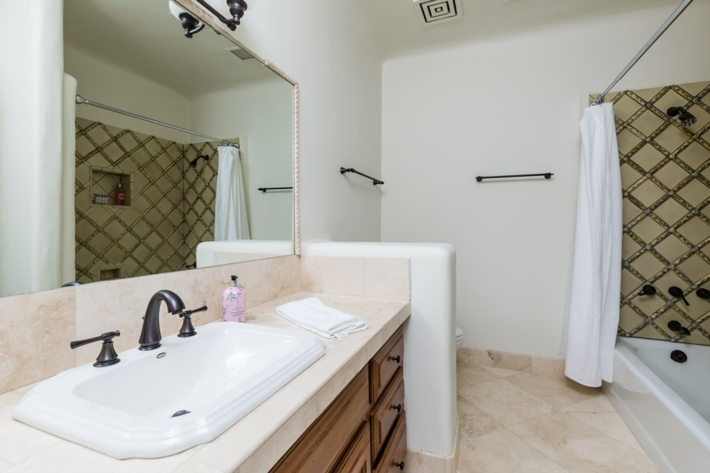 En-suite bathroom connected to the 4th bedroom