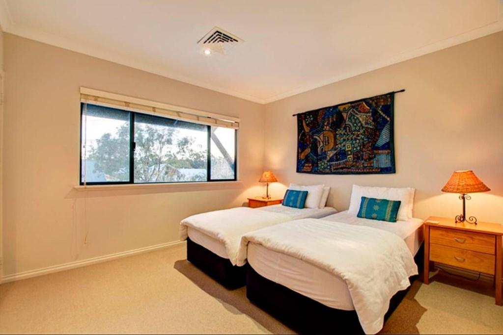 12 bedroom 4