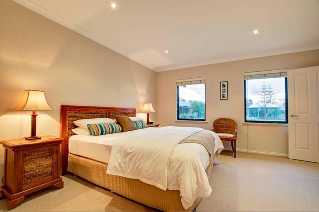 02 bedroom 1