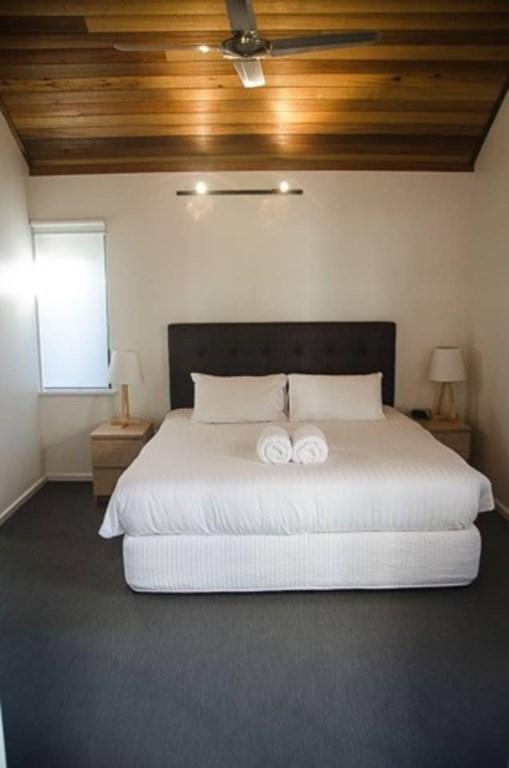 05 bedroom 1