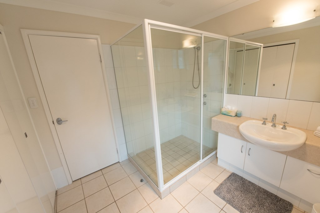 15bathroom