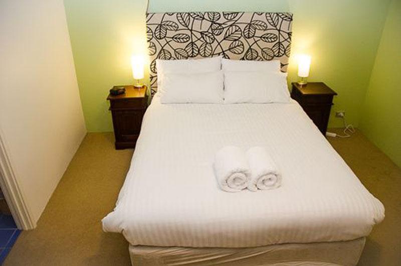 10 bedroom 1
