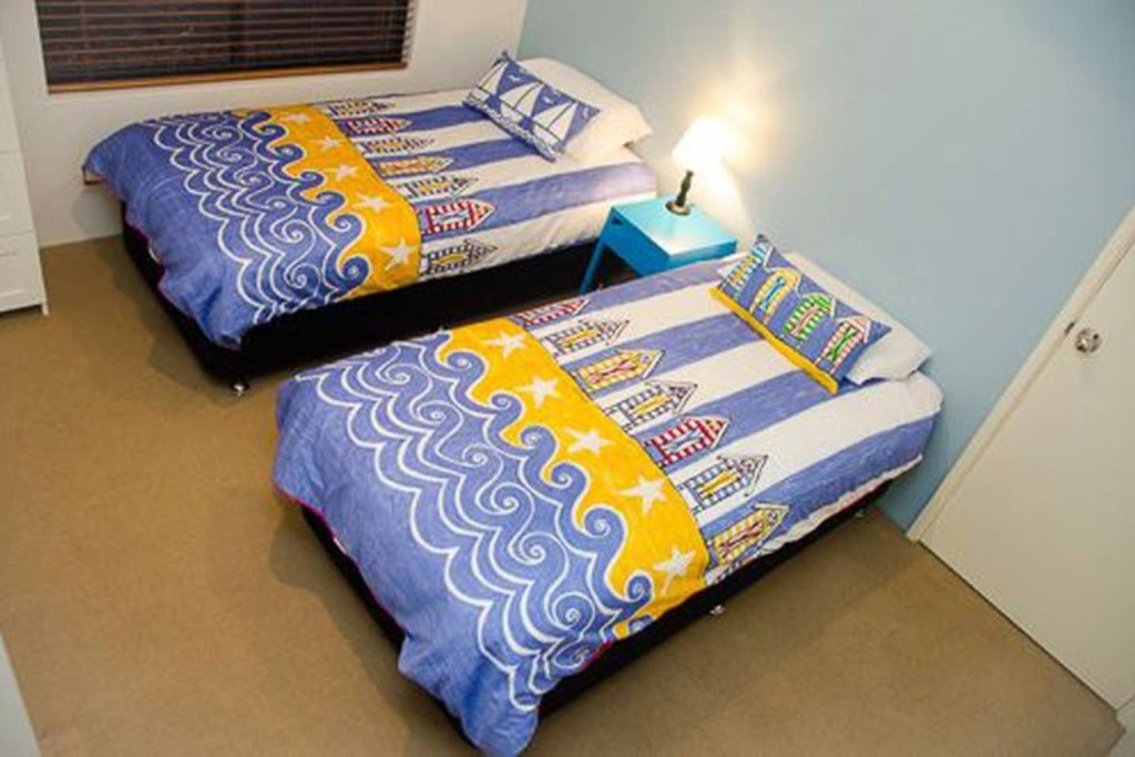 16 bedroom 4
