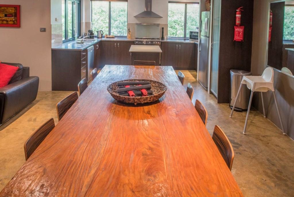 06 dining/kitchen