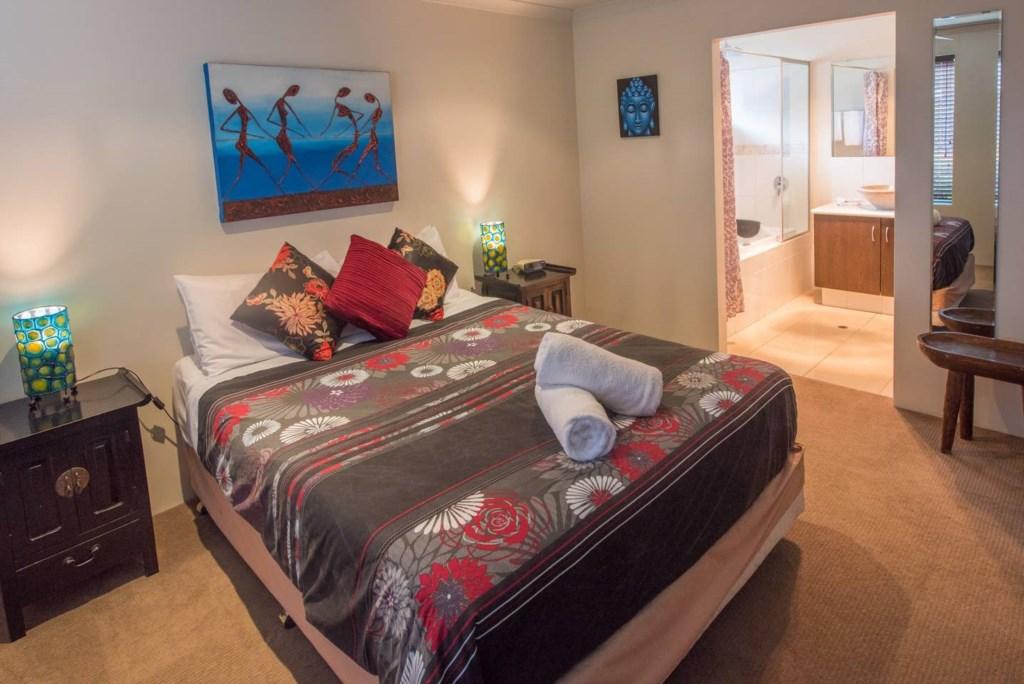 11 queen bedroom 2