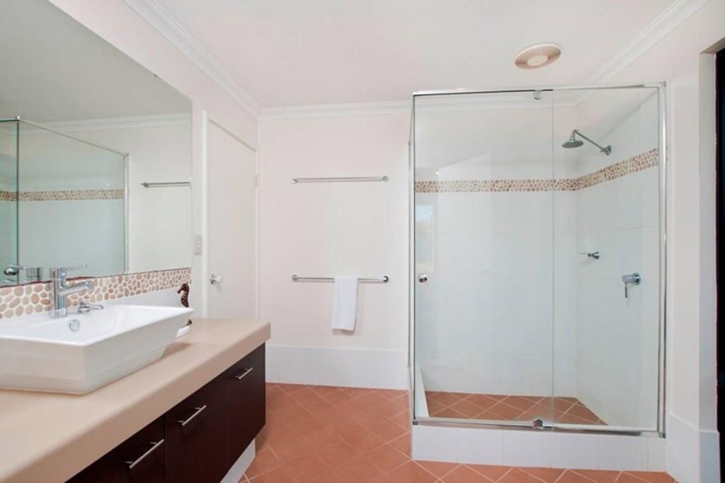 Bedroom 1 Semi-Ensuite