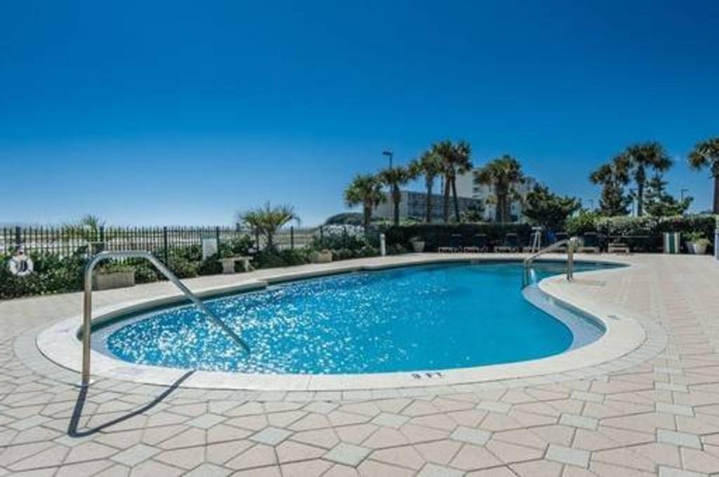 Santa Rosa Towers Community pool