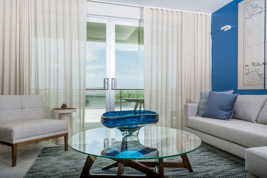 2 Bed Luxury Suite with Ocean and Pool View