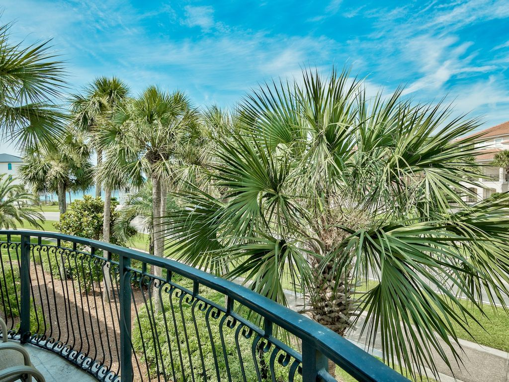 Master suite private side balcony with gulf views!