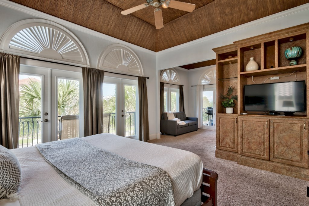 Master suite & lounge area with sleeper sofa