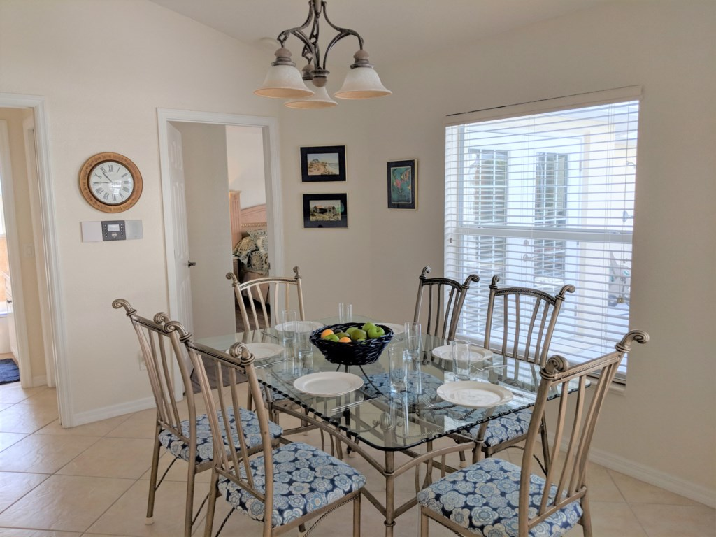 Private Paradise dining/breakfast nook