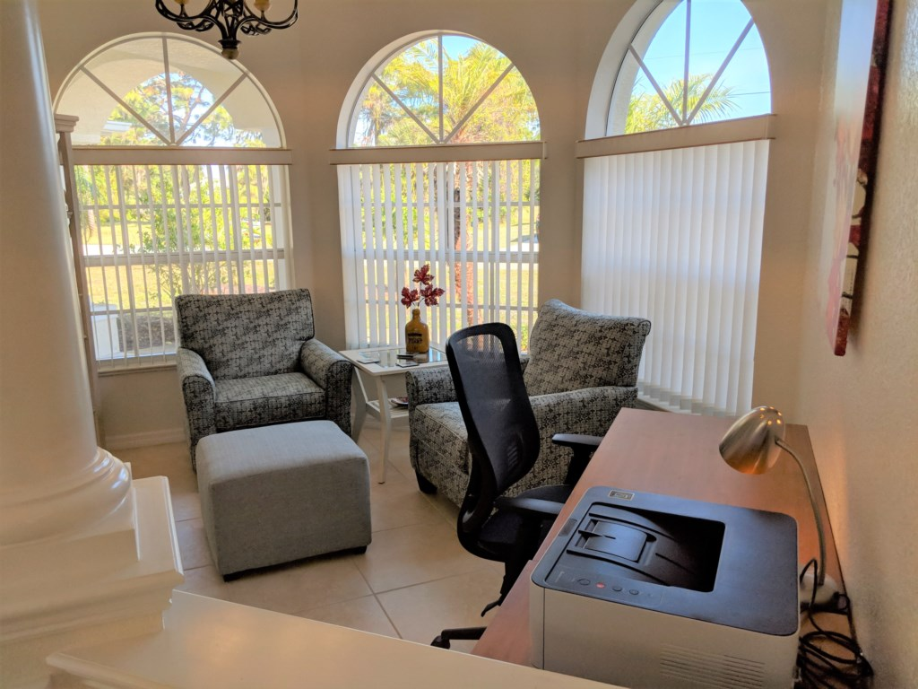 Private Paradise office/setting area