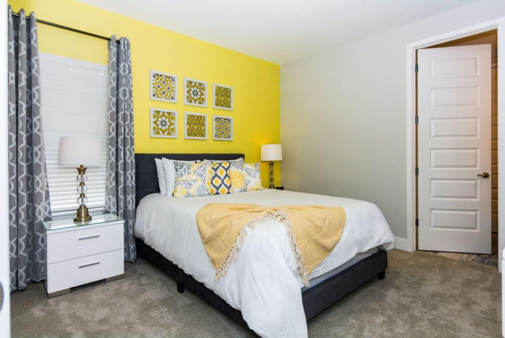 YellowQueenBedroom1