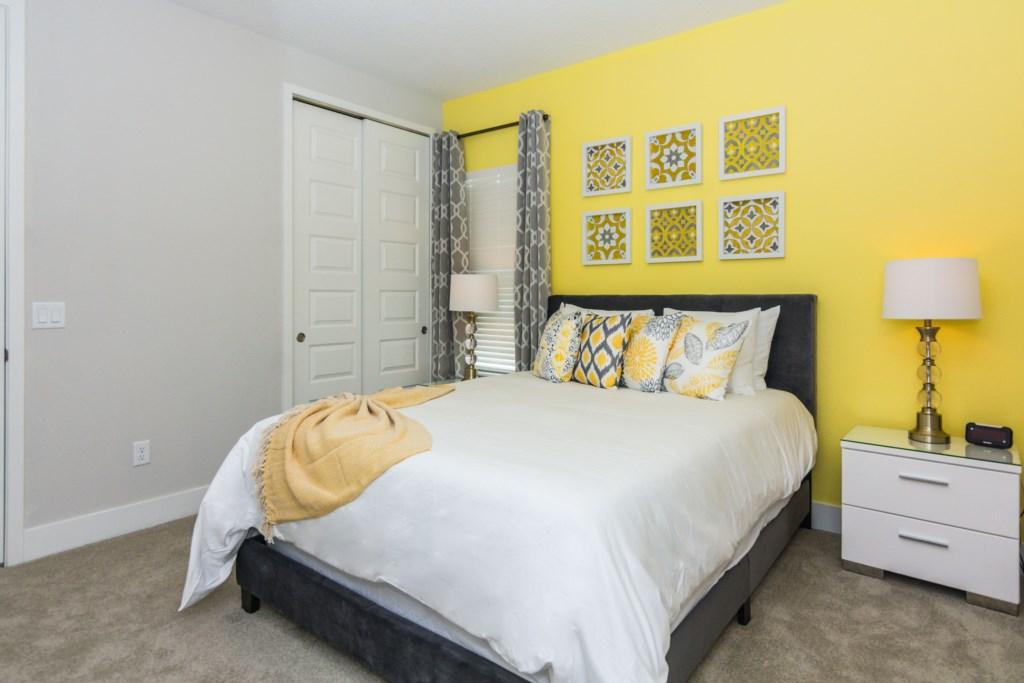 YellowQueenBedroom3